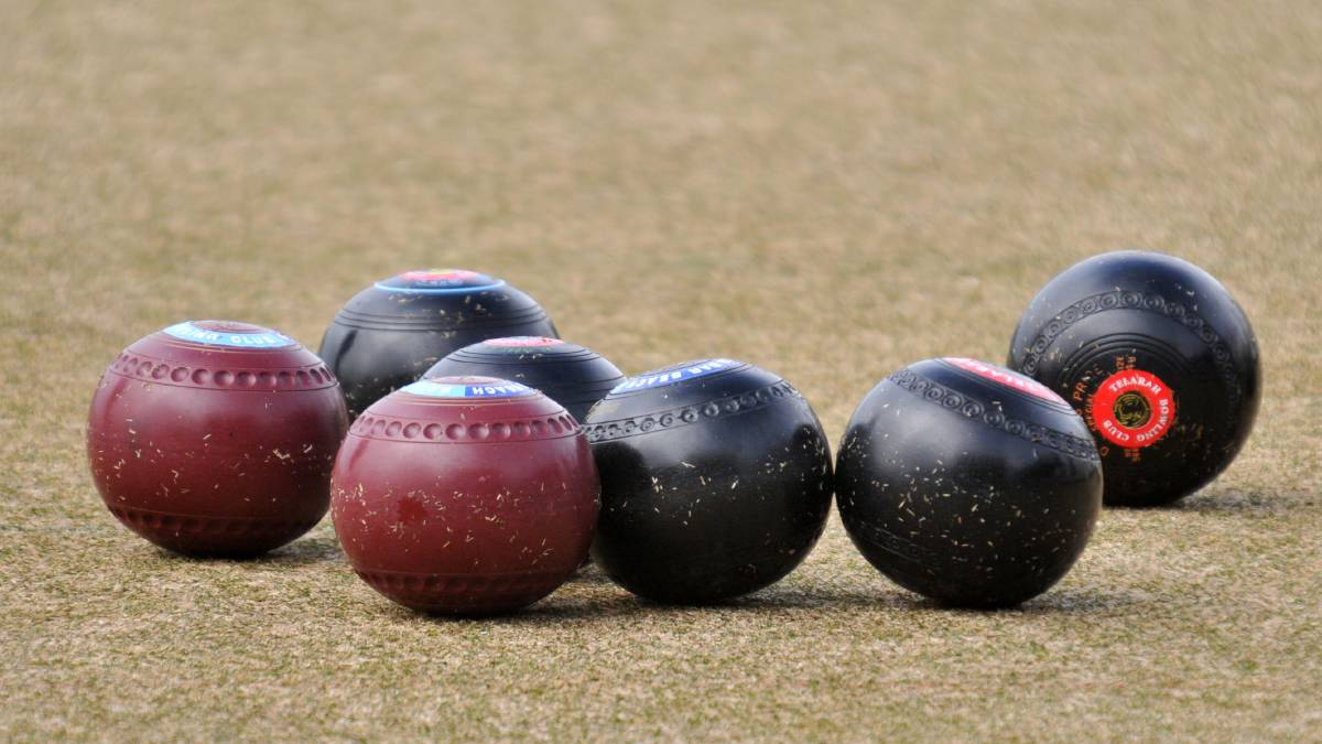 Wet weather dampens play on the bowling green