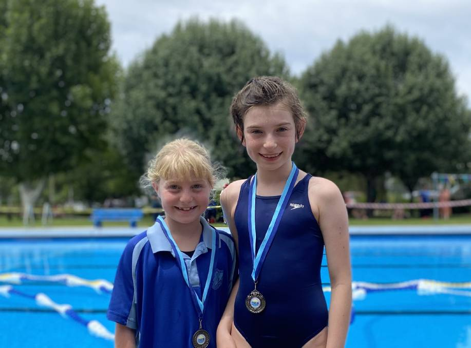 Junior Girl Champion - Saige Partridge and runner up Joslyn Kilby are both from Barrington Public School. Photo supplied